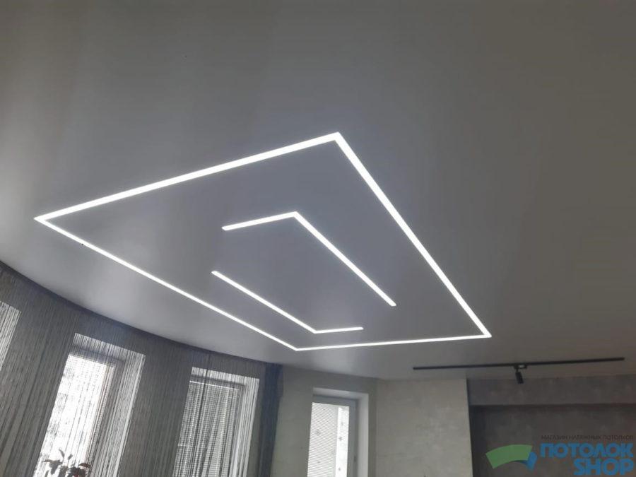 Потолок с подвсеткой в гостиную